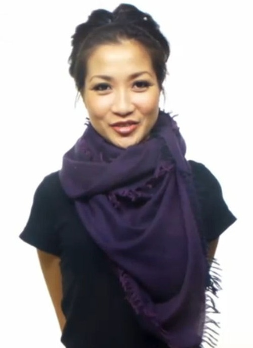 Add a scarf to your travel packing list: it's an easy way to change the enti