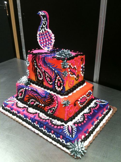 wedding cakes peacock decoration