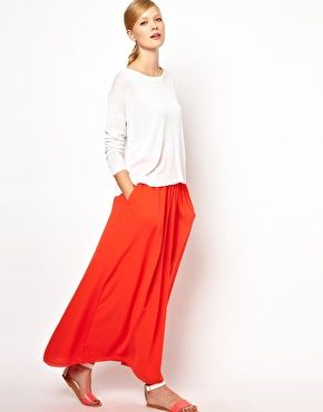Effortless maxi skirt.