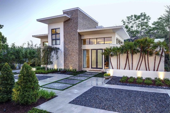 Exterior of modern home in Florida.