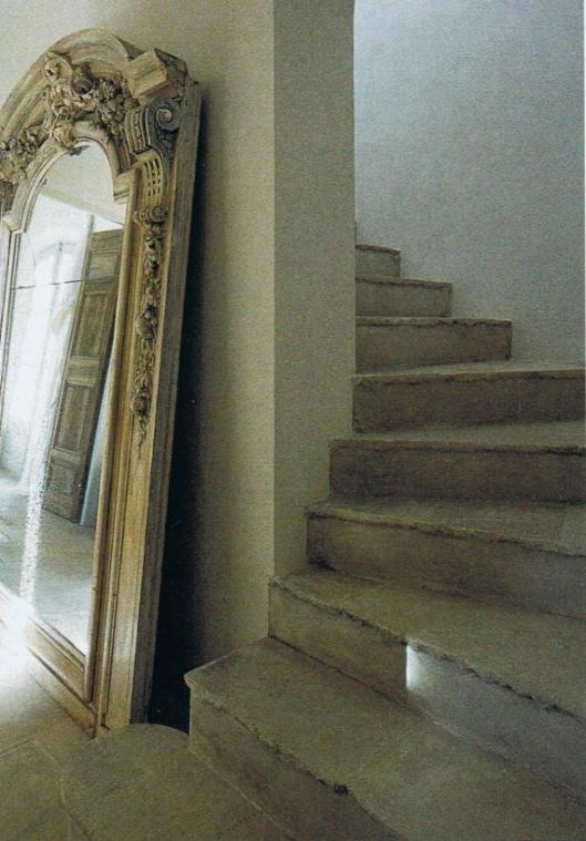 This mirror @Nicole Novembrino Novembrino Novembrino LaFond