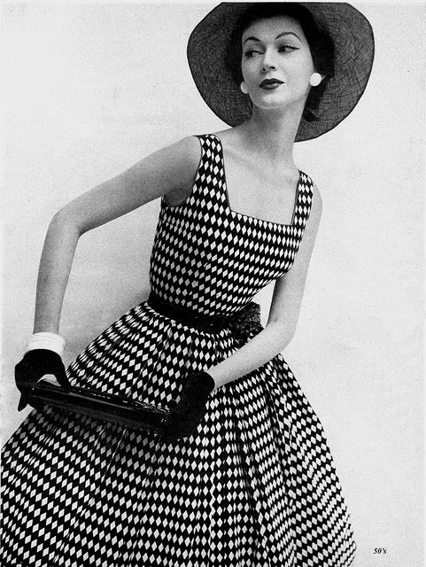 Diamonds are always a girls best friend, especially when they're as charming as the ones on this lovely 1950s summer dress. #vintage #fashion #1950s #dress