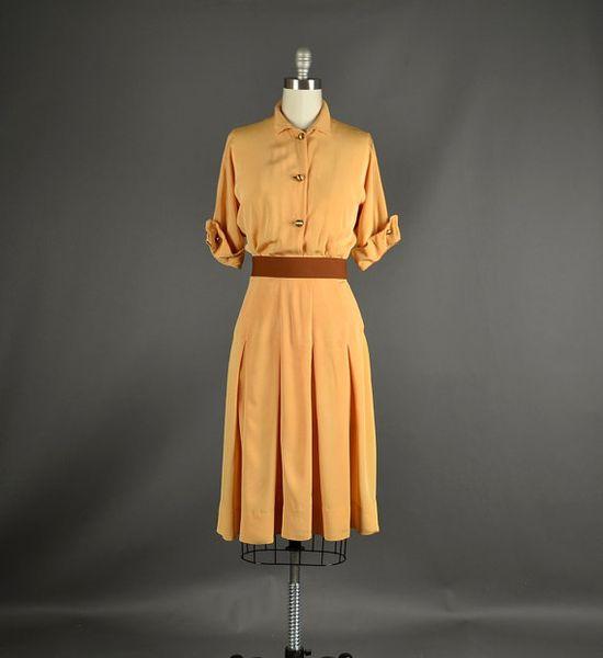 1940s Dress / 1940s golden crepe dress / 40s by NodtoModvintage