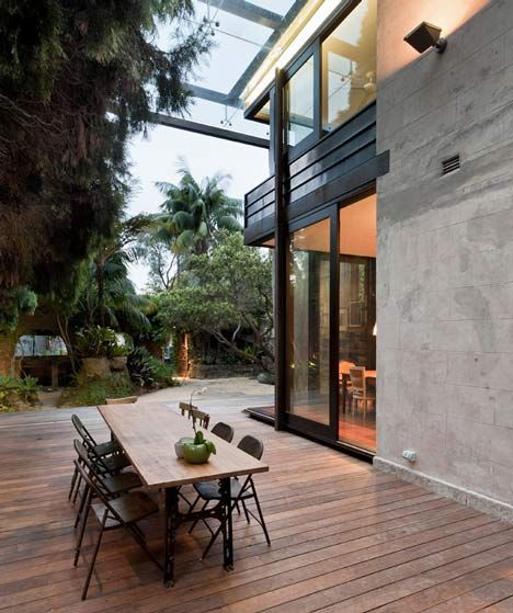 Glass Loggia House by Allen Jack+Cottier, Vladimir Sitta and Belinda Koopma.