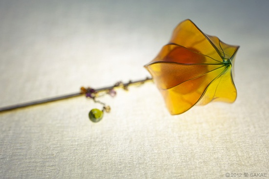 ???? 2012??????? Japanese hair accessory - Chinese lantern plant Kanzashi- by Sakae, Japan? sakaefly.exblog.jp/