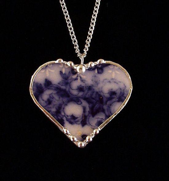 Broken china jewelry heart pendant flow blue roses