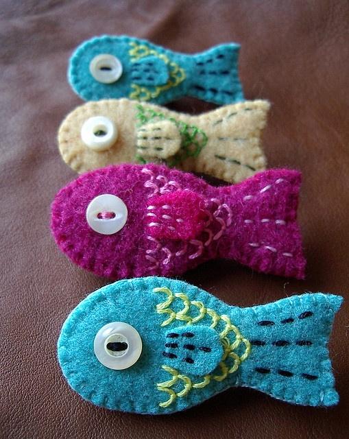 Felted wool fish. oh cute...