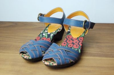 Mori Girl: fashion and lifestyle of girls in the forest. Japanese street fashion and style blog.: Cocue shoes