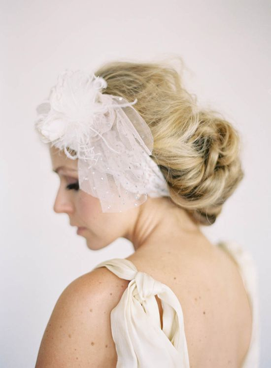 flirty short veil // photo by Jen Huang, accessory by Olivia Nelson, styling by Borrowed Blu // view more: ruffledblog.com/...