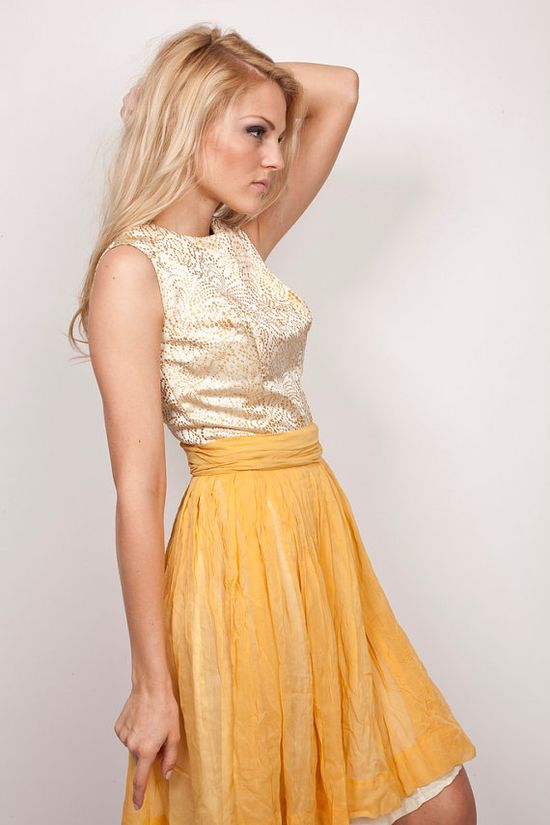 love this mustard yellow skirt