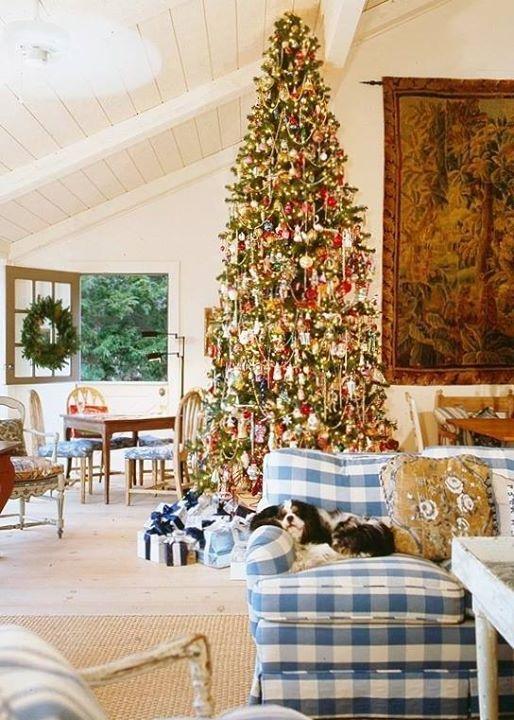 Christmas Decor Love this tree