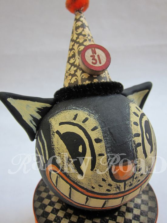 Halloween cat - it's not a gourd, but it could be...