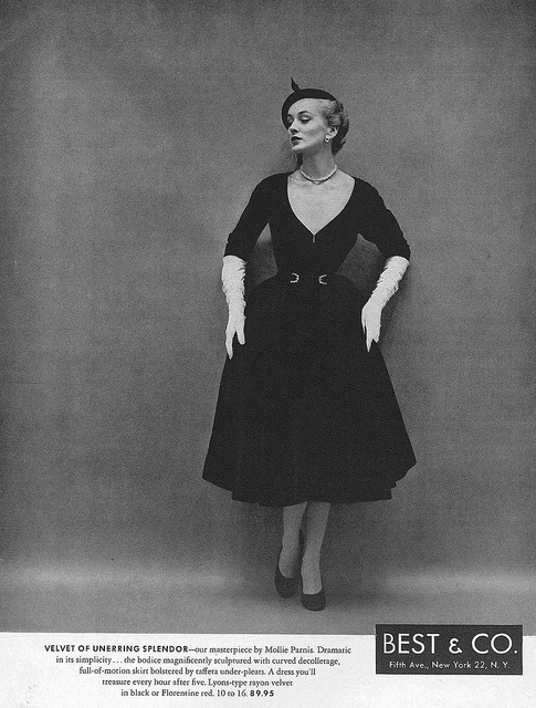 I love how the neckline shows a fair bit of skin, yet isn't immodest or overly revealing in the least. #vintage #1950s #dress #fashion #gloves #hat
