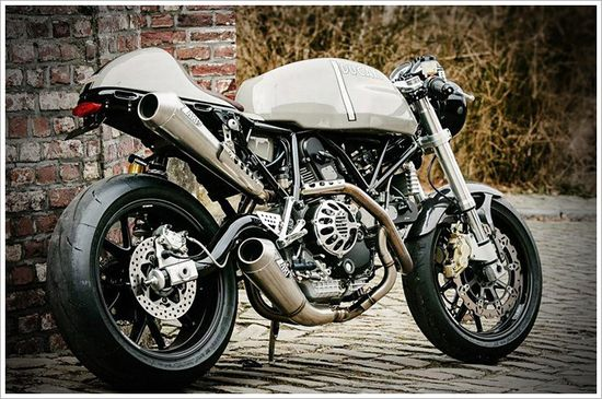 Ducati Sport Classic 1000 - The Flying HermansMC - Pipeburn