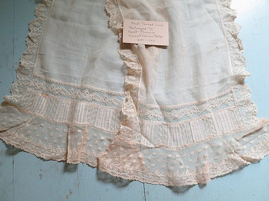 Dainty Victorian Thread Lace Scarf with Provenance