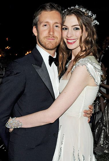 Anne Hathaway and Adam Shulman.  The Les Miserables star and the jeweler tied the knot Sept. 29 in a sunset ceremony in Big Sur, Calif. Sept. 29 2012. Hathaway wore a custom Valentino dress. #celebstylewed