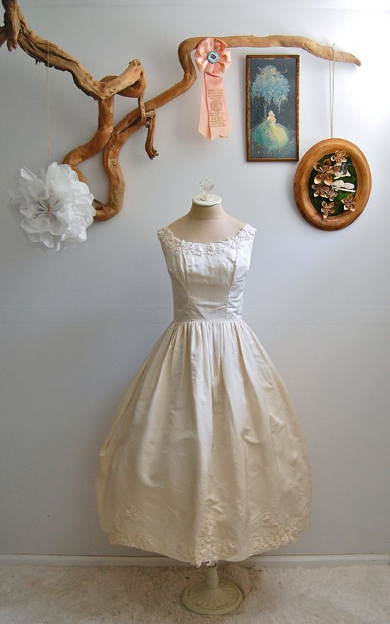 Perfect vintage wedding dress