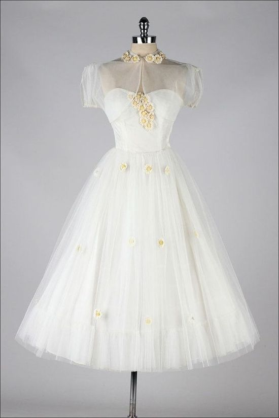 vintage 1950s white tulle & daisies dress