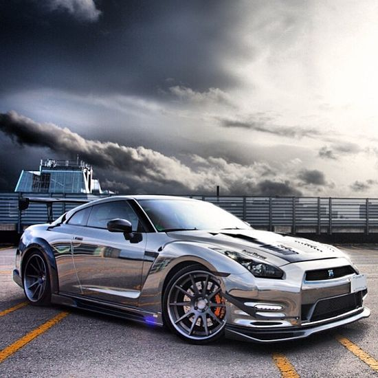 Chromed up baby! Gorgeous Nissan GT-R!