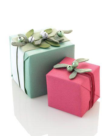 mistletoe giftwrap