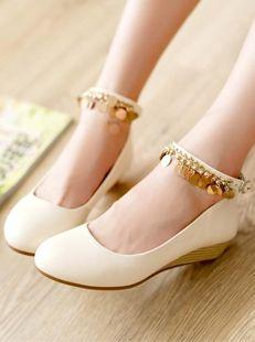 shoes/ pumps