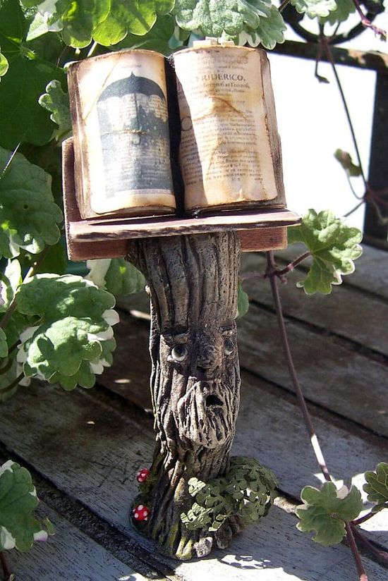 Book of Shadows:  BOS Bookstand.
