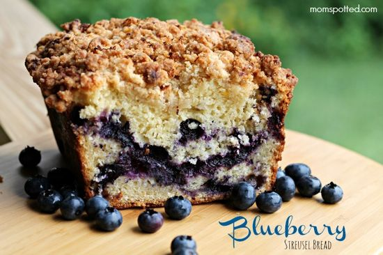 Blueberry Streusel Bread #blueberry #bread #momspotted