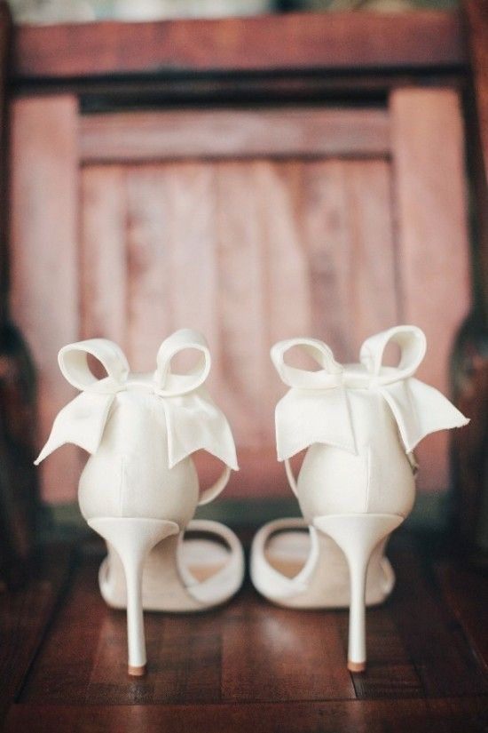 Uh-mazing wedding shoes! #wedding #bride #shoes