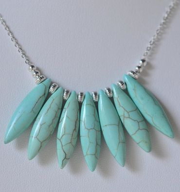 Sweet statement necklace - loving this color!