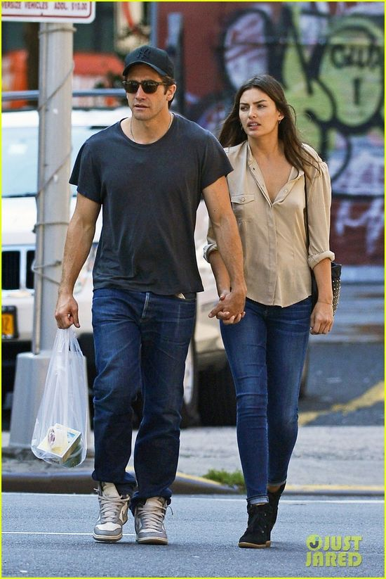 Jake Gyllenhaal holds hands with his girlfriend Alyssa Miller as they head out in the Tribeca district of New York City on Saturday afternoon (August 3).