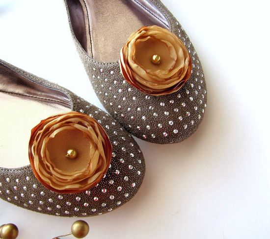 Shoe clips with handmade fabric flowers (set of 2 pcs )-  GOLDEN CARAMEL BLOSSOMS (s34)