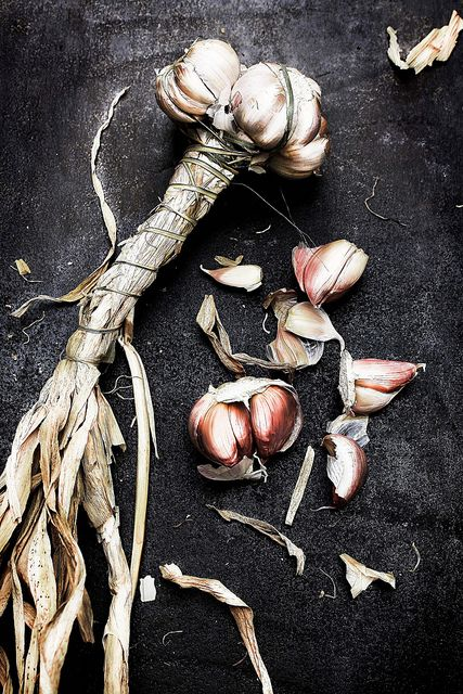 Pink garlic.   pratos-e-travessa...