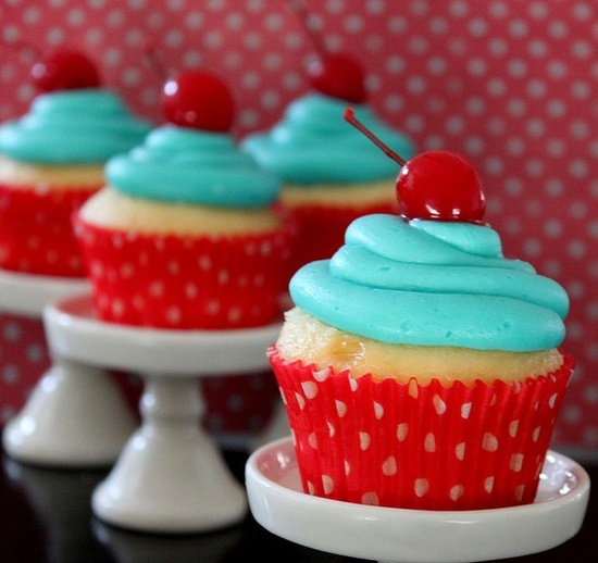 Red and aqua cupcakes.