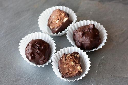 Food: Eleven Delicious Chocolate Truffles To Make  (Homemade Ferrero Rocher truffles, via Handle The Heat)