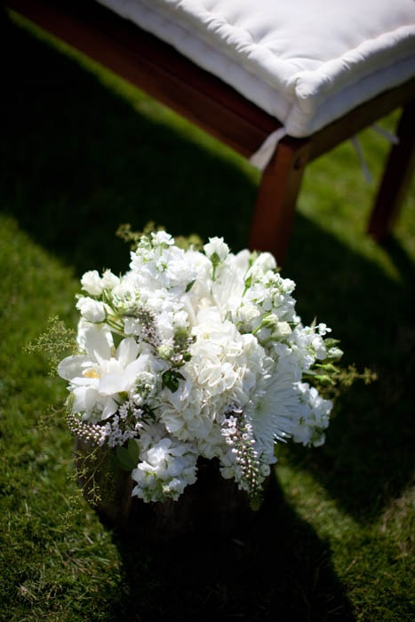 white reception wedding flowers,  wedding decor, wedding flower centerpiece, wedding flower arrangement, add pic source on comment and we will update it. www.myfloweraffai... can create this beautiful wedding flower look.