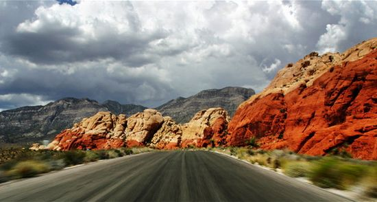 Inspiring views on the Red Rock Scenic Road, USA