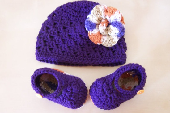 Cutesy hat and bootie set 0-6 months