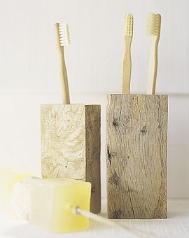 Recycled wood toothbrush holder from www.baileyshomean...