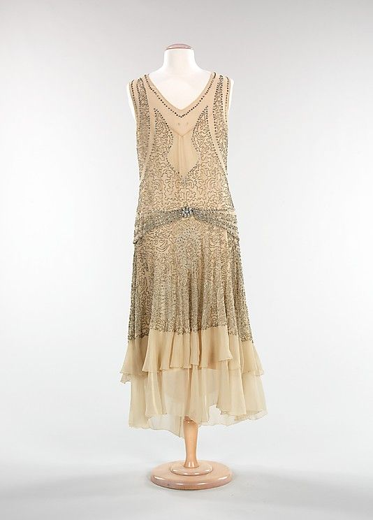 evening dress, c. 1928-1930. Brooklyn Museum Costume Collection at The Metropolitan Museum of Art, 2009.300.1248