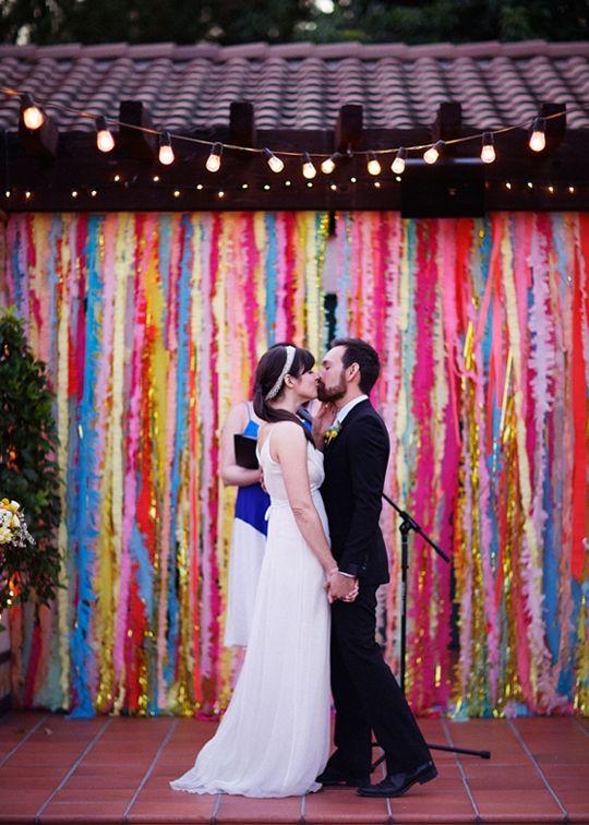 10 DIY wedding backdrops