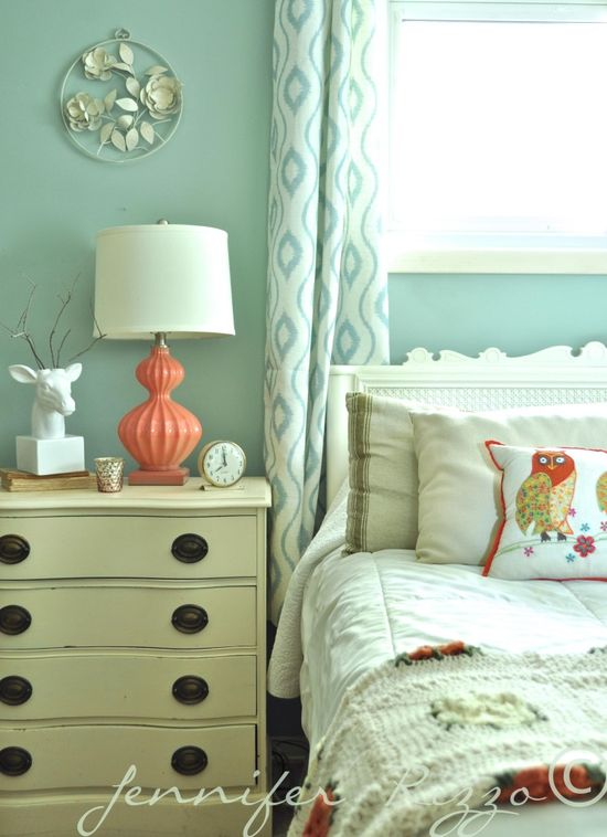 Bedroom makeover - love the colors!