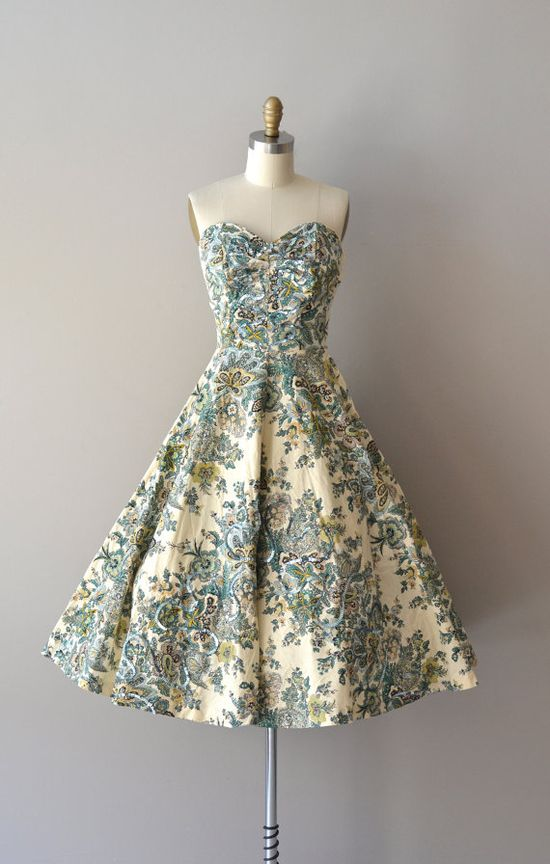 strapless 50s dress  #floral #dress #1950s #partydress #vintage #frock #retro #sundress #floralprint #petticoat #romantic #feminine #fashion