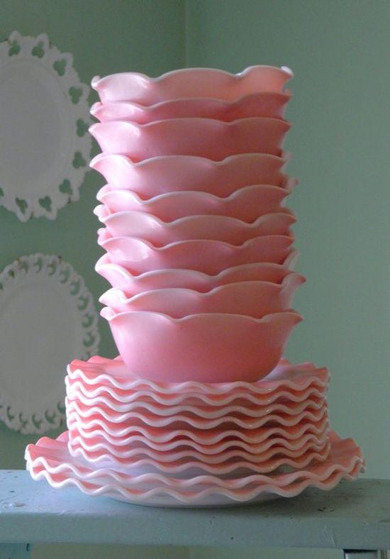 Vintage Hazel Atlas Plates and Bowls ~ pink!