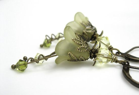 Light Olivine Flower Earrings from jewelry by NaLa #products #jewelry #accessories #green