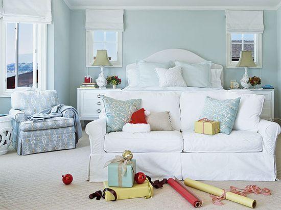 blue/white bedroom