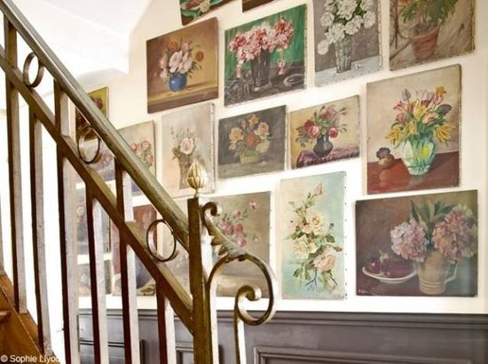 Vintage floral paintings wall collage.  #interior #decor #floral #vintage