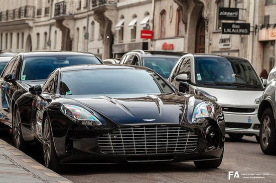 Aston Martin's highly exclusive One-77 super car was spotted here in Paris, and sent to us courtesy of Fast-Auto.fr. This remains rare, as seeing a One-77 in the flesh is about as unlikely as being invited to Buckingham Palace for a spot of croquet and biscuits.