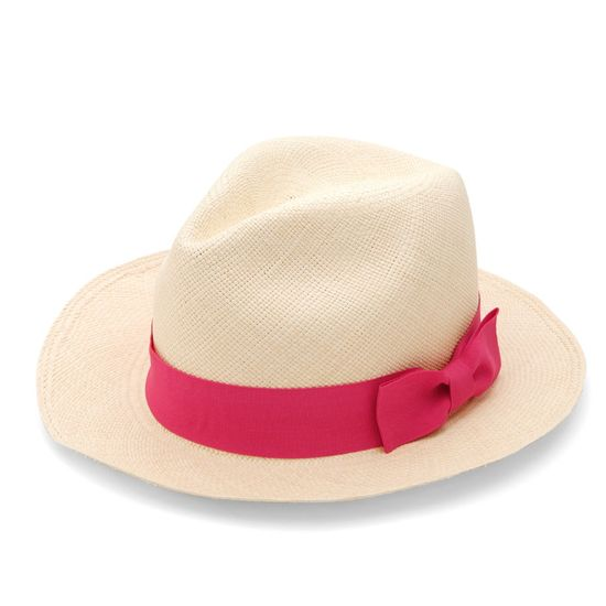 LOVE this Panama Hat with a cute (pink) twist by @CUYANA
