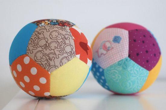 idée cool pour les enfants - ballons patchwork multicolores