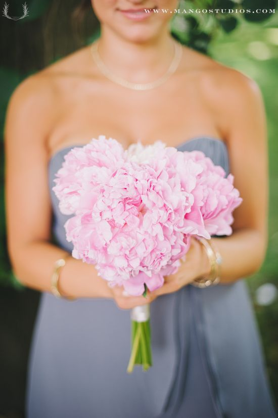 #pink #flowers #bride #brides #wedding #photography #bouquet